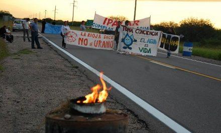 Dos semanas de corte de ruta por el agua y contra la explotación de uranio en La Rioja