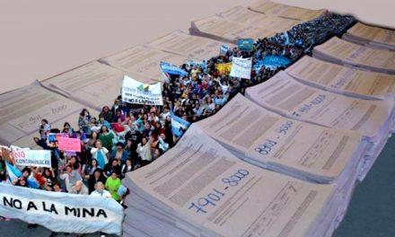 Marchas del NO A LA MINA para celebrar la presentación de la Iniciativa Popular