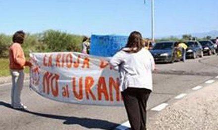 Corte selectivo y juntada de firmas contra la explotación de uranio en La Rioja