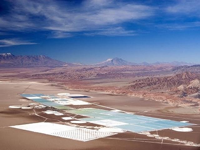 Explotación de litio: minería del agua en regiones áridas