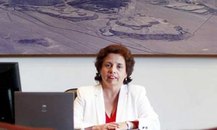 La ministra chilena de minería hace anuncios por Barrick Gold