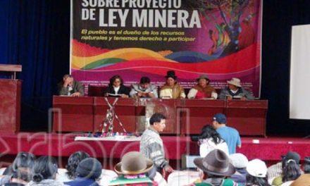 Cumbre social propone referéndum para elaborar otro proyecto de Ley Minera