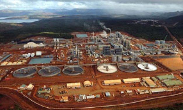 Manifestantes reaccionan por derrame químico e incendian edificios en mina de Vale