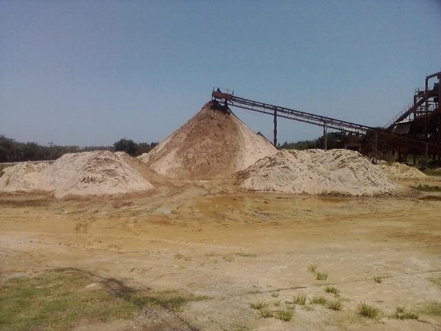 Abrirán yacimientos  de arena silícea y una planta para el fracking