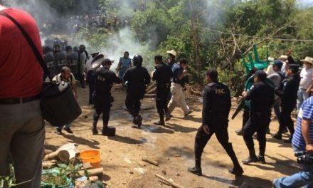 Desalojo violento de vecinos en mina El Tambor deja 26 lesionados
