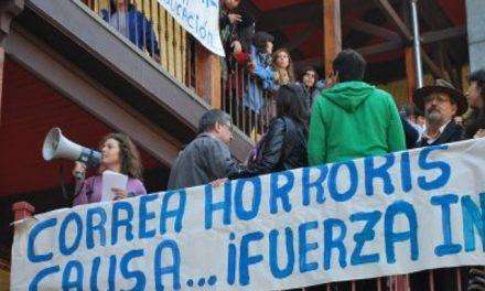 Rafael Correa fue duramente interpelado en la Universidad de Santiago de Chile
