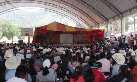 Multitudinario foro contra mineras en Ixtacamaxtitlán