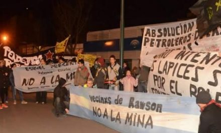 Marcha contra la megaminería y por el boleto estudiantil