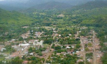 Explotación minera no metálica en Teupasenti con pobladores en contra y alcalde a favor