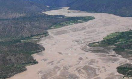 Reportan que desecho tóxico minero afecta al río Pilcomayo