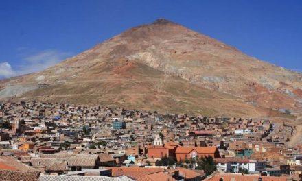 La plata de Potosí se fue lejos y en la ciudad quedó la pobreza