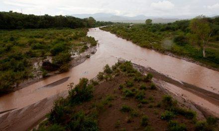 """La contaminación de dos ríos por minera zanjada con """"una multa de risa"""""""