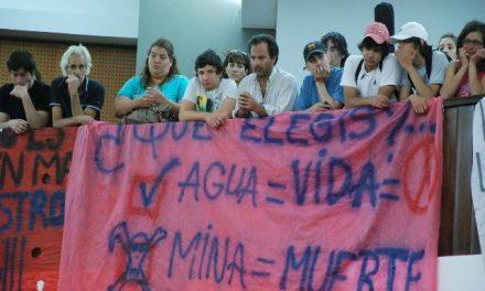 """Legisladores desvían el proyecto de ley ingresado por Iniciativa Popular a un """"debate temático minero"""""""