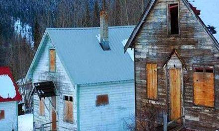 Se vende una población fantasma cercana a una mina de oro en Canadá