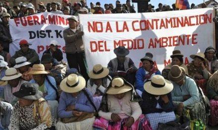 El gobierno de Peru promueve controvertida mina de Santa Ana