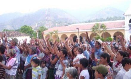 Vecinos celebran aniversario del no a la minería