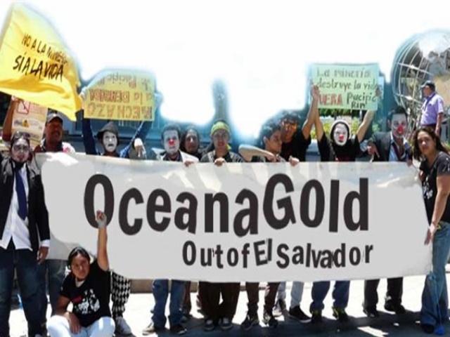 Protesta en Canadá contra la minera OceanaGold por su demanda a El Salvador
