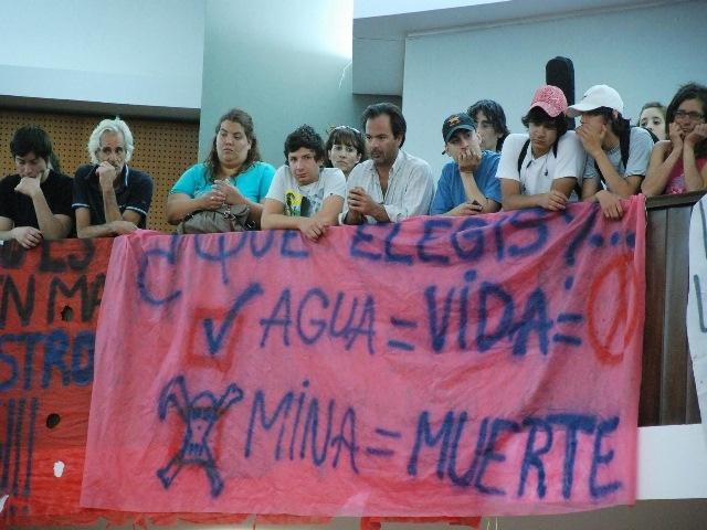 Diputados de Chubut se ofenden por reclamo de los vecinos y levantan la sesión