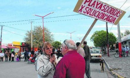 Sierra Grande: Minera con agua, vecinos esperan