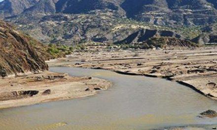 Denuncian que empresa minera cerró dejando daño ambiental