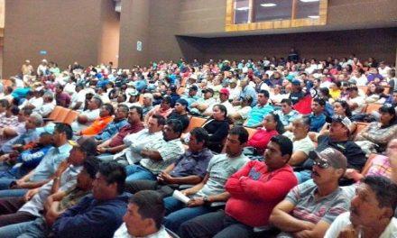 Cerca de 500 personas asisten a reunión informativa del cuestionado proyecto de minera marina en Comondú