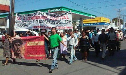 Marchan campesinos en Chiapas contra minera