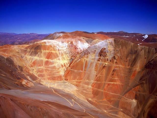 Barrick Gold no puede activar Pascua Lama y es acusada de fugar dólares y destruir glaciares