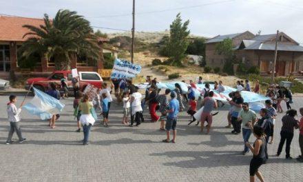 4/dic/14 – Marcha II: en Puerto Pirámides por la vida y la Iniciativa Popular