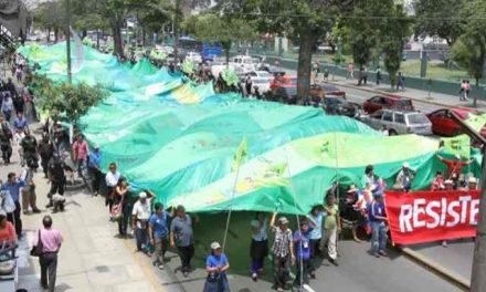 Movilizaciòn en defensa del agua en Lima