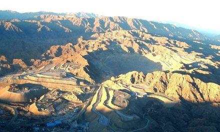 Advertencias sobre efectos del modelo minero