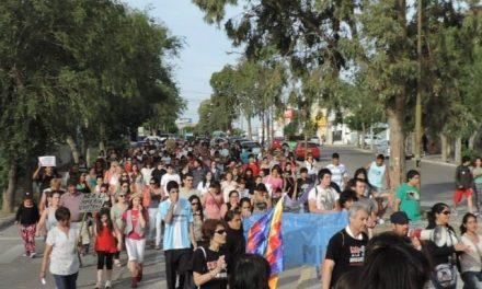 4/dic/14 – Marcha III: Gran marcha en Rawson «sí a la vida, NO a la megaminería»