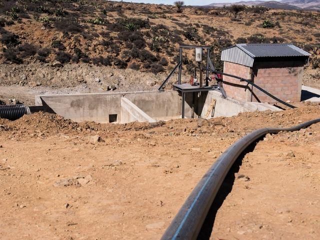 Clausuran parcialmente mina de plata y oro tras derrame