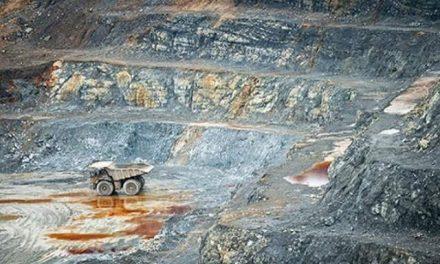 La canadiense Barrick Gold envenena con cianuro a ciudad en Dominicana