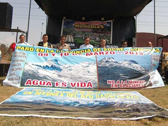Pobladores de Sucre realizan segundo día de paro contra minera
