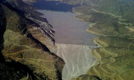 Minera Los Pelambres apela fallo que ordena demolición de muro en tranque El Mauro