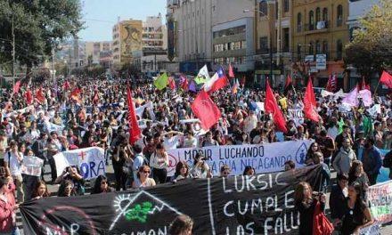 Multitudinaria y exitosa 3ra Marcha Nacinal por la Recuperacion del Agua y la Vida en Chile