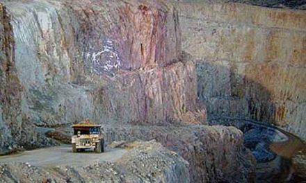 """El gobierno de Santa Cruz termina rogando el pago """"voluntario"""" de un aporte inmobiliario minero"""