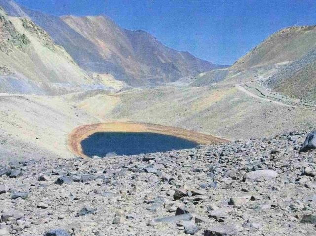 Pelea judicial entre dos mineras por un territorio en la cima de Los Andes