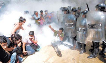 Temen nuevo desalojo de opositores de minera en La Puya por parte de la policía