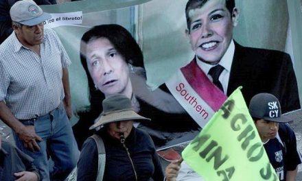 Corrupción y proyecto minero socavan la popularidad del presidente peruano
