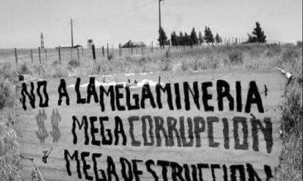 Políticos se reparten ayuda oficial del derrame en Sonora