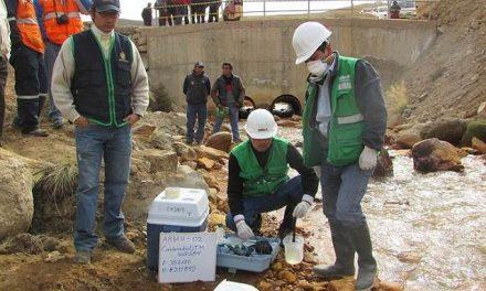 Organismos oficiales admiten contaminación, acidez y alcalinidad del agua en la cuenca Llallimayo