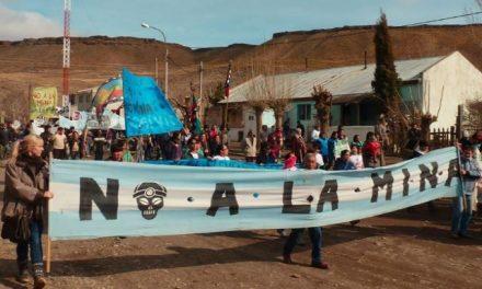 Marcha contra la minería en Las Coloradas