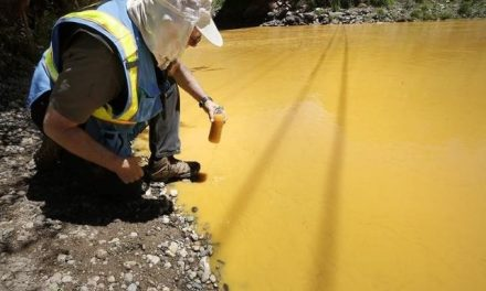 Los daños que el derrame minero del río en Colorado causa a la Nación Navajo
