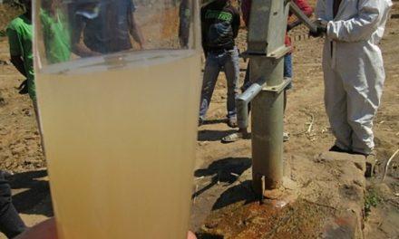 Agricultores zambianos demandan a minera inglesa por contaminación