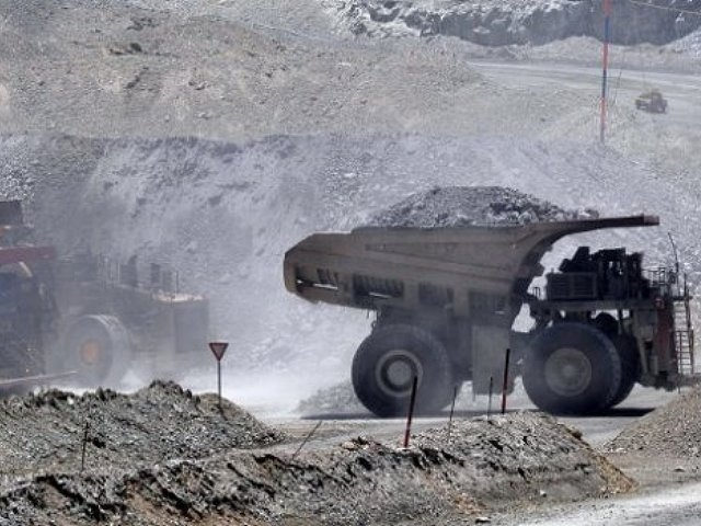 Colegio Médico de Antofagasta analiza acudir a la OMS para denunciar contaminación de mineras