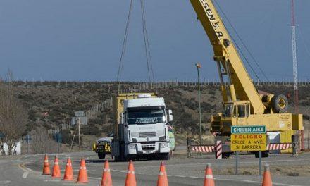 Camión de diputado santacruceño detenido por llevar cianuro sin habilitación al día