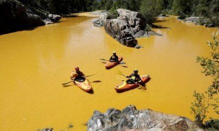 El derrame tóxico minero que tiñó de amarillo el río Ánimas es solo la punta del iceberg