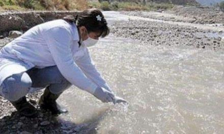 Derrame de cianuro: tomaron muestras de agua por orden judicial