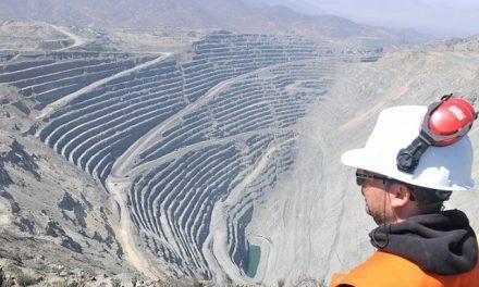'Pensar Chubut' quiere hablar de minería y energía con Das Neves